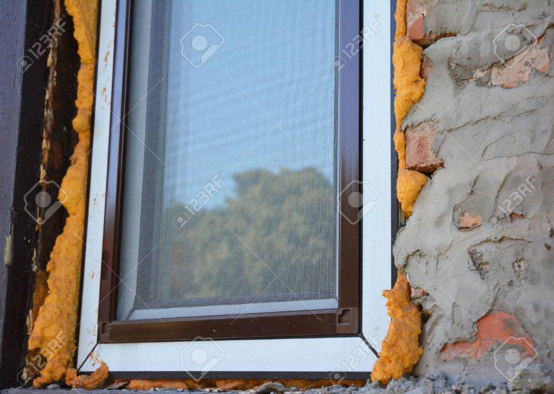 Large Size of Fenster Austauschen Schlieen Sie Auf Fensterisolierung Mit Schaum Wenn Ihre Herne Standardmaße Maße Einbauen Welten Sichtschutz Kosten Ebay Weru Velux Fenster Fenster Austauschen