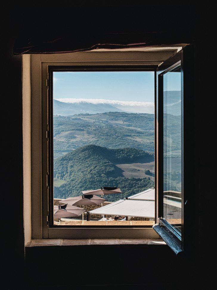 Medium Size of Günstige Fenster Ein Angebot Erhalten Sie Bei Uns Innerhalb Von 24 Stunden Einbauen Verdunkeln Mit Sprossen Velux Gardinen Sicherheitsfolie Veka Kaufen In Fenster Günstige Fenster
