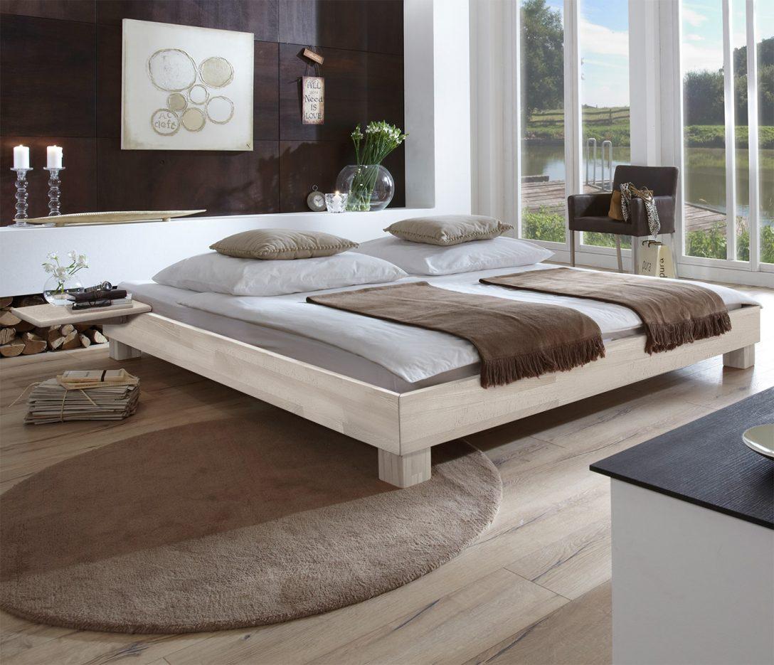 Large Size of Massivholzbett In Bergren Erhltlich Liege Alicante Bett Holz Mit Rückenlehne 140x200 Poco Breckle Betten 220 X Altes Hülsta Massivholz Schubladen Kopfteil Bett Bett Hoch