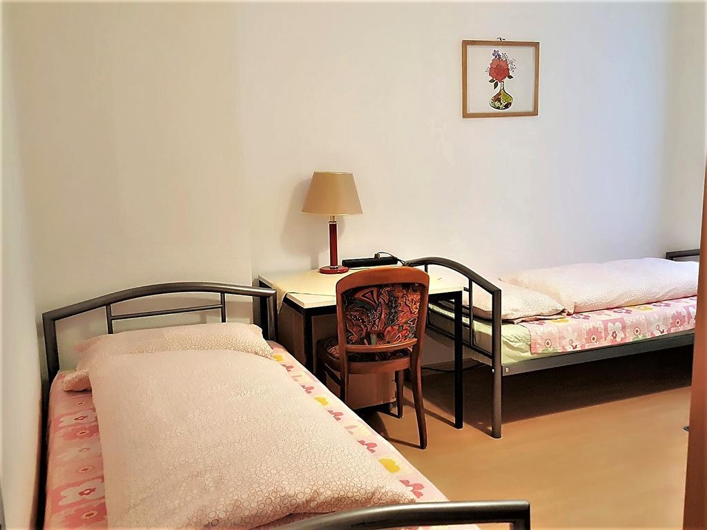 Full Size of Betten Frankfurt Pension Deutschland Am Main Bookingcom Schramm Französische Hasena Ebay Poco Somnus Kaufen Weiße Jabo Schlafzimmer Bett Betten Frankfurt