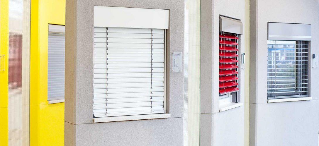 Large Size of Fenster Jalousien Sonnenschutz Auen Im Sicherheitsbeschläge Nachrüsten Online Konfigurieren Aron Austauschen Kosten Neue Einbauen De Beleuchtung Fenster Fenster Jalousien