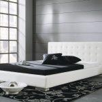 Modernes Kunstlederbett In Wei Oder Schwarz Campo Bett 90x200 Weiß Tagesdecke Flach Badezimmer Hochschrank Hochglanz Bettwäsche Sprüche Betten Für Bett Bett Schwarz Weiß