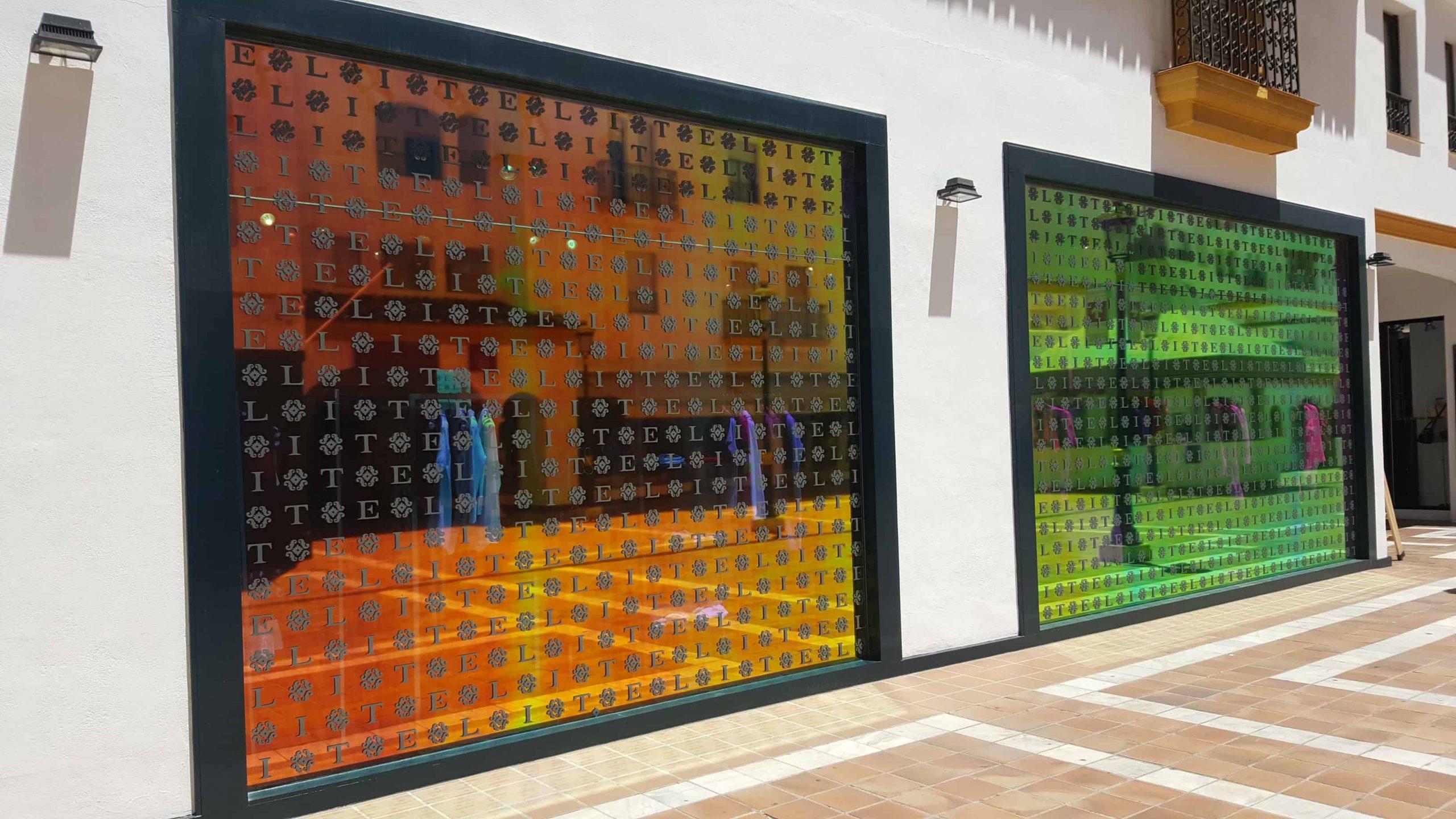 Full Size of Fenster Folie Obi Fensterfolie Statisch Anbringen Fensterfolien Schweiz Ikea Entfernen Gegen Hitze Bad Auto Selbstklebende Bauhaus Youtube Kosten Baumarkt Fenster Fenster Folie