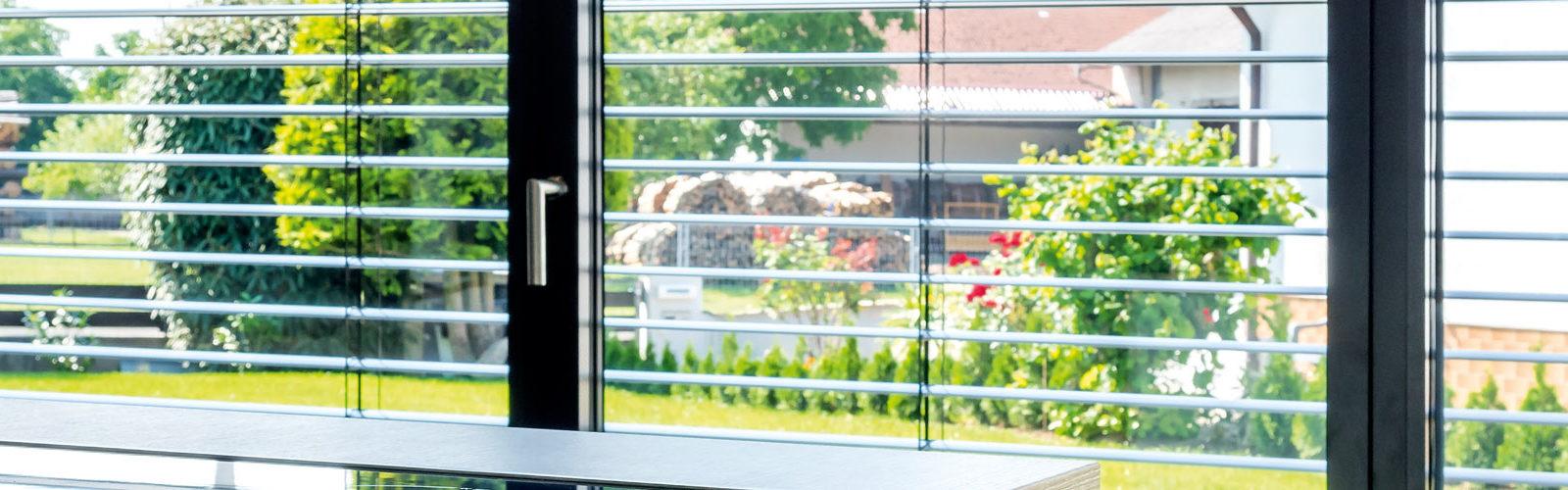 Full Size of Jalousien Neumann Fenster Bodentief Neue Einbauen Landhaus Standardmaße Sichtschutzfolie Nach Maß Kaufen In Polen Kosten Weihnachtsbeleuchtung Sichern Gegen Fenster Fenster Jalousien