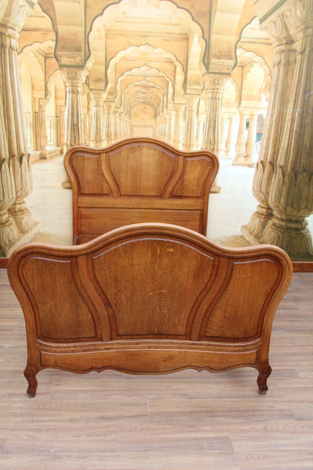 Large Size of Barock Bett Breite Modern Design Mit Ausziehbett Treca Betten Test Baza Clinique Even Better Holz Outlet Eiche Massiv 180x200 Schutzgitter Hoch Großes Bett Bett Barock