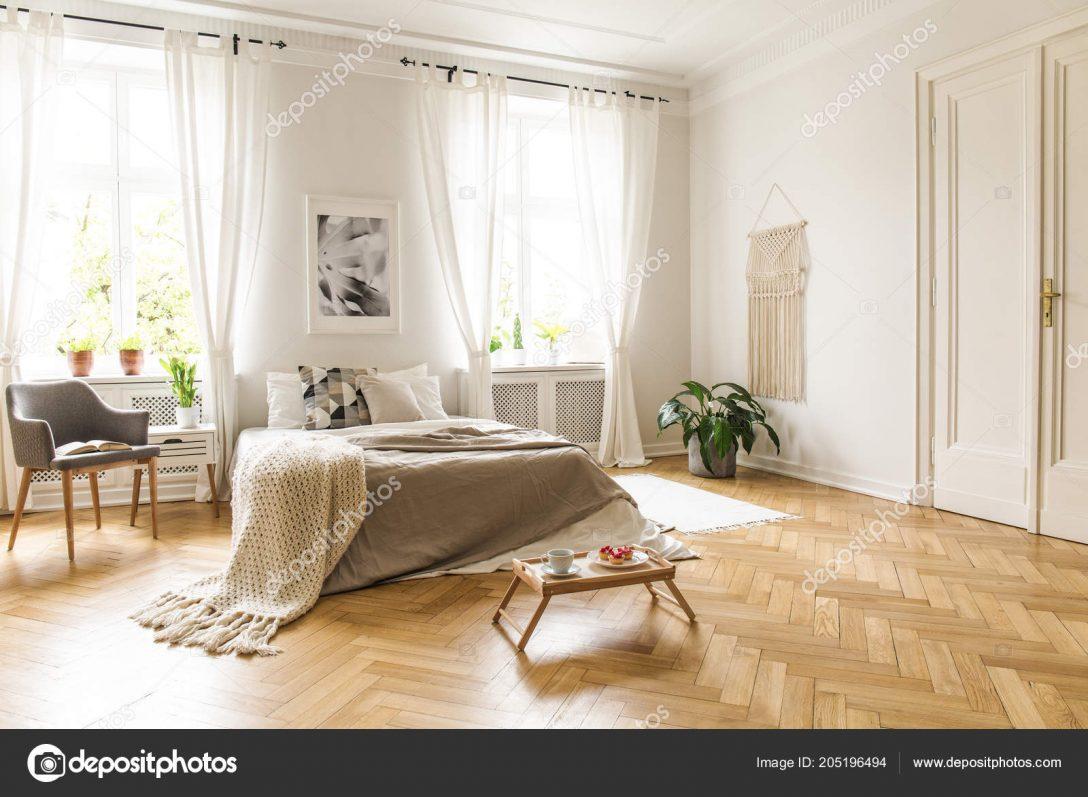 Large Size of Graues Bett Kombinieren Wandfarbe Dunkel Samtsofa Bettlaken Waschen 180x200 Ikea 160x200 120x200 140x200 Welche Graue Sessel Neben Mit Innen Helle Schlafzimmer Bett Graues Bett