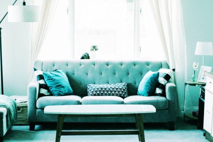 Medium Size of Graue Couch Kombinieren Graues Sofa Grauer Teppich Wandfarbe Beiger Welcher Dekorieren Kissenfarbe Welche Gelbe Kissen Bunte Sofa Graues Sofa