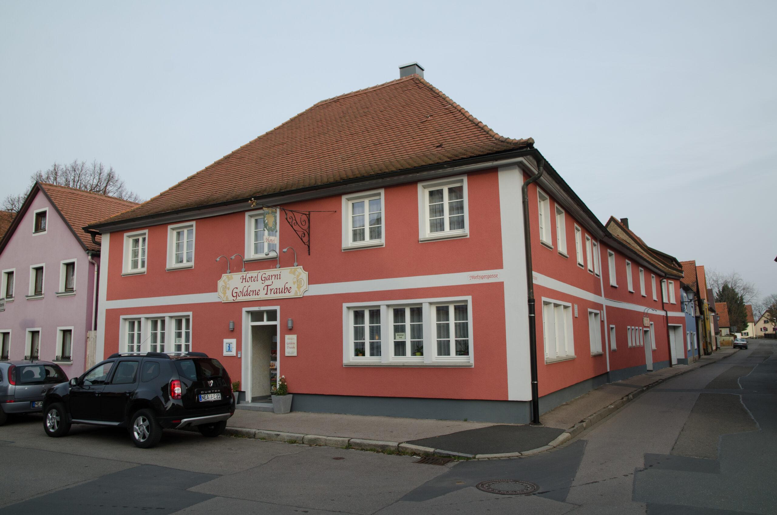 Full Size of Metzgergasse 42 002jpg Laminat Fürs Bad Hotel Harzburg Birkenhof Griesbach Waschbecken Wandleuchte Staffelstein Füssing Hotels Homburg Wiessee Accessoires Bad Hotel Bad Windsheim
