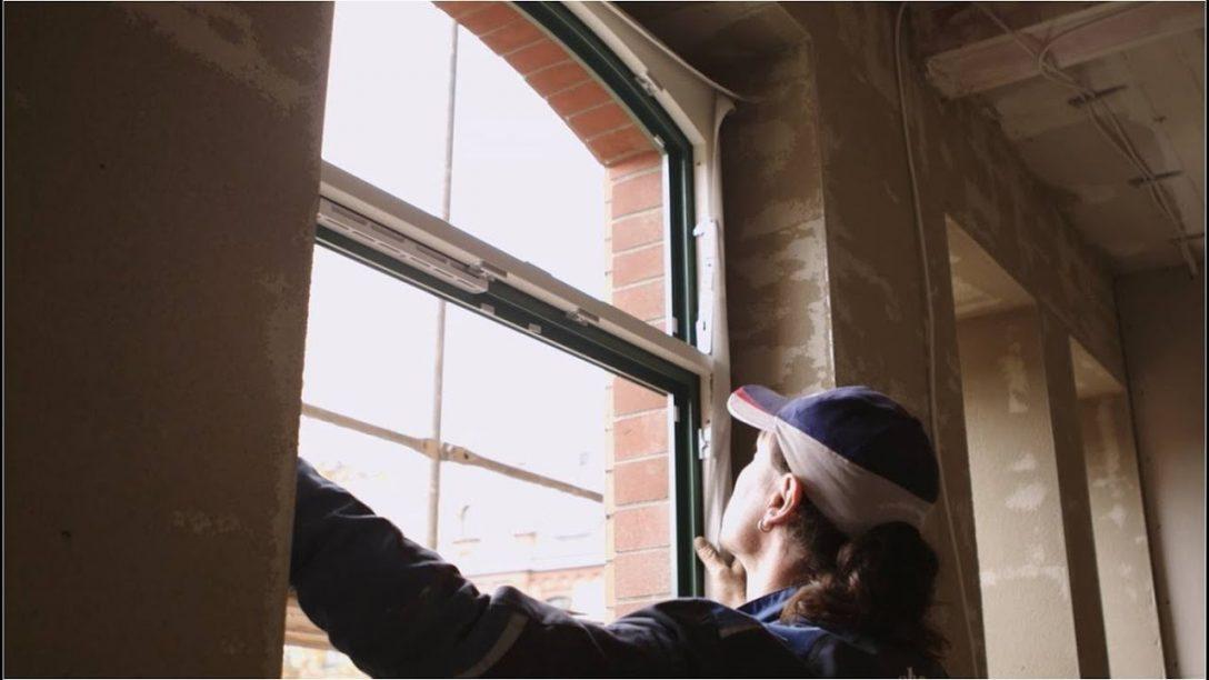 Large Size of Fenster Einbauen Kosten Neue Deutsche Fensterbau Mit Rolladenkasten Aco Dänische Rolladen Nachträglich Flachdach Obi Jemako Sicherheitsbeschläge Nachrüsten Fenster Fenster Einbauen Kosten