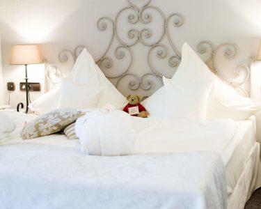 Romantisches Bett Bett Romantisches Bett Turm Familienzimmer Im Hotel Romantischer Winkel Familienglck Japanische Betten Paletten 140x200 Outlet Schöne Metall Weiß 90x200 Breckle