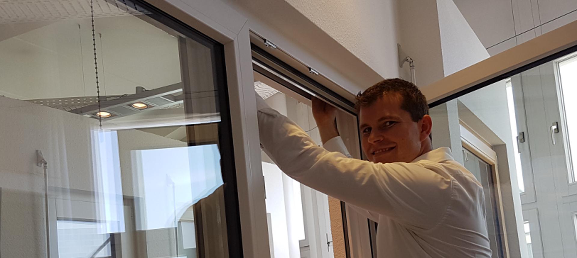 Full Size of Rollladengetriebe Austauschen Einbruchschutzfolie Fenster Schallschutz Einbauen Meeth Rc 2 Dachschräge Fliegengitter Maßanfertigung Nach Maß Folie Für Fenster Fenster Tauschen