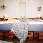Bett Palettenbett Selber Bauen Kaufen Europaletten Betten Aus Paletten Erhöhtes Holz Such Frau Fürs Köln Balken Mit Bettkasten Jugend Schwarz Weiß Bett Bett 1.40