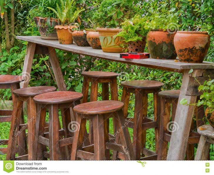 Medium Size of Holztisch Garten Rund Ausziehbar Ebay Kleinanzeigen Massiv Gebraucht Ikea Selber Bauen Rustikal Farn In Tongefen Auf Beistelltisch Trennwand Feuerschale Zaun Garten Holztisch Garten