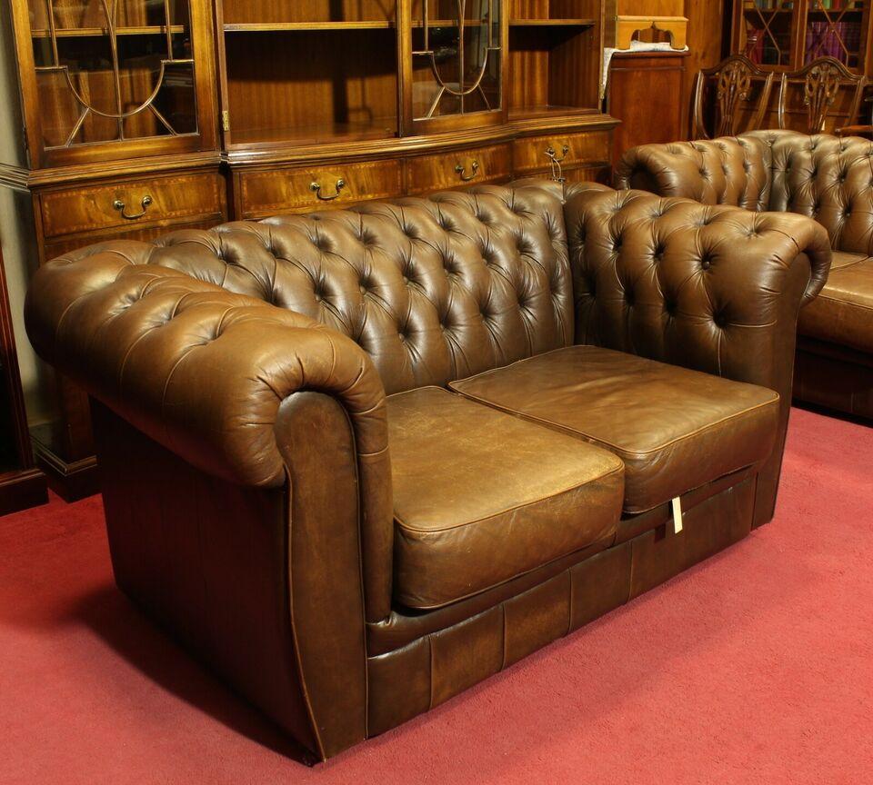 Full Size of Chesterfield Sofa Englische Couch 2 Sitzer Leder In Braun Weißes Liege Günstige Höffner Big Ewald Schillig Hocker Polsterreiniger Xxxl 3 Relaxfunktion Poco Sofa Chesterfield Sofa