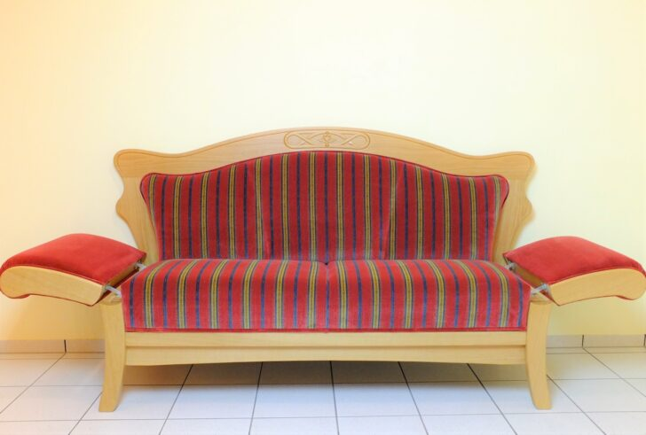 Medium Size of Esszimmer Sofa Ikea Couch Leder Landhausstil Vintage 3 Sitzer Grau 2 Mit Schlaffunktion Bezug Ecksofa Kunstleder 2er Hay Mags Big Hocker Minotti Schlafsofa Sofa Esszimmer Sofa