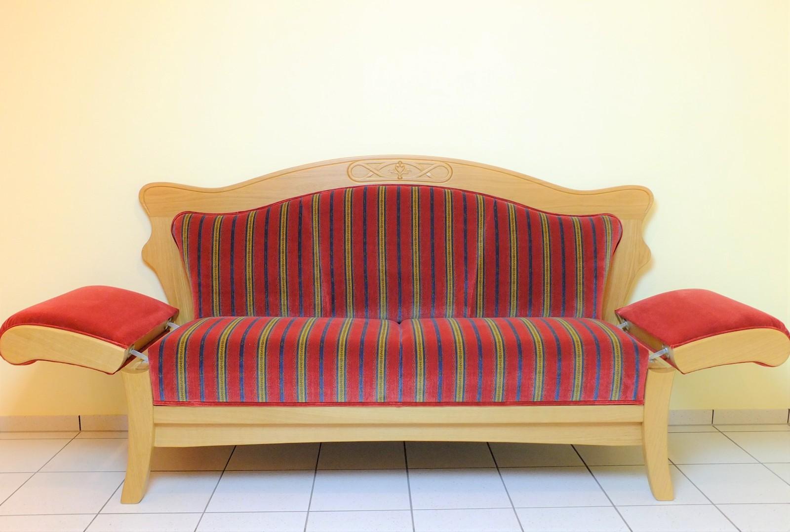 Full Size of Esszimmer Sofa Ikea Couch Leder Landhausstil Vintage 3 Sitzer Grau 2 Mit Schlaffunktion Bezug Ecksofa Kunstleder 2er Hay Mags Big Hocker Minotti Schlafsofa Sofa Esszimmer Sofa