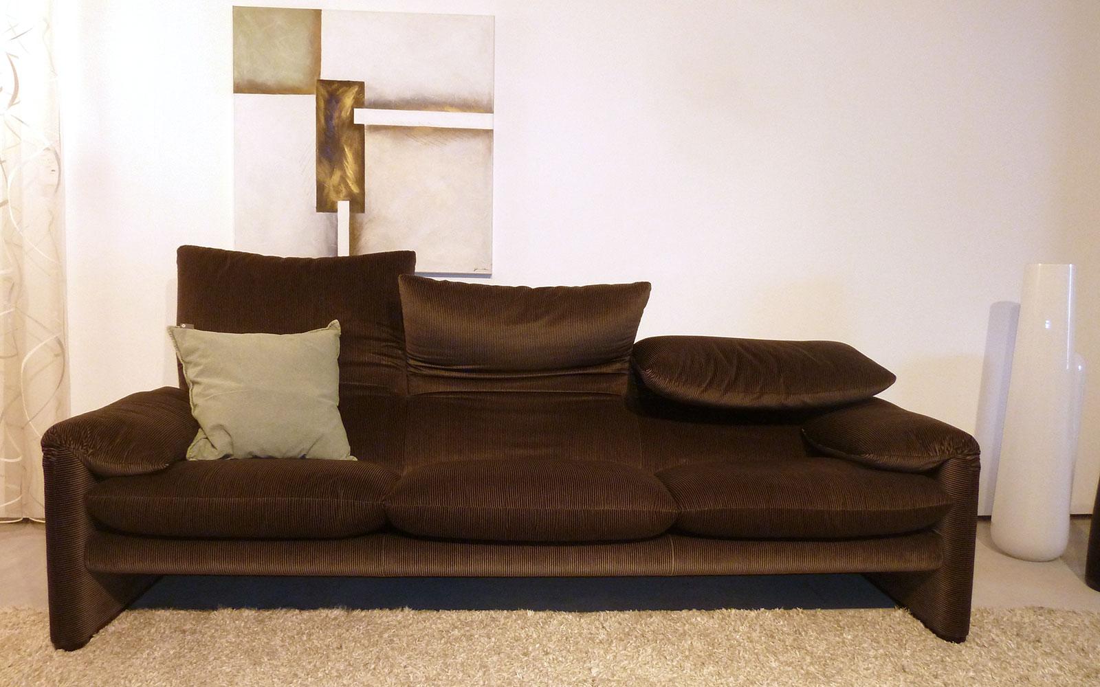 Full Size of Cassina Miloe Sofa Aspen Moov Furniture Sale Maralunga Covers Otto Toot For 8 Met Mister Gebraucht Nest 2 Sitzer Mit Schlaffunktion Hersteller Big Kaufen Sofa Cassina Sofa