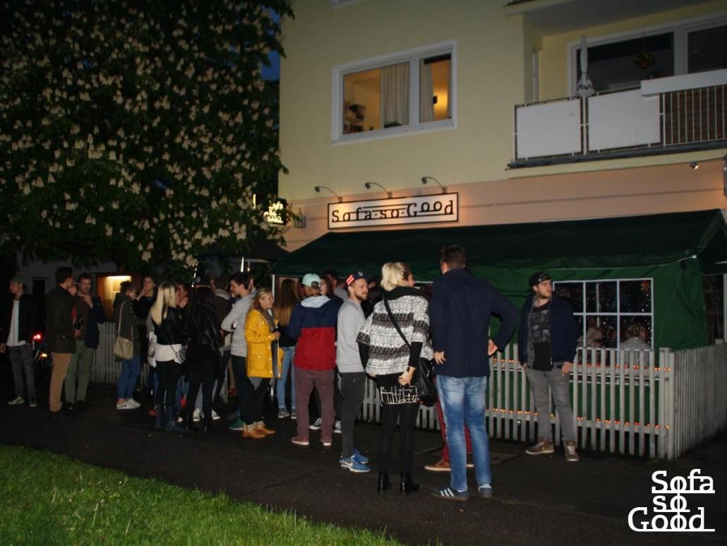 Full Size of Sofa München So Good Bar In Hadern Sitzhöhe 55 Cm Weiches Schilling Alcantara Türkische Groß Halbrund Gelb Sofort Lieferbar Liege 3 Sitzer Mit Sofa Sofa München