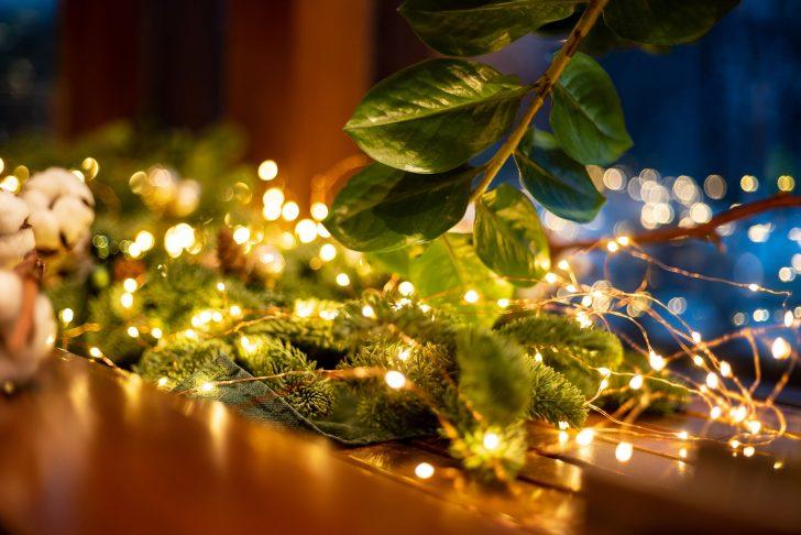 Medium Size of Weihnachtsbeleuchtung Fenster Pyramide Innen Mit Kabel Batteriebetrieben Kabellos Fensterbank Befestigen Batterie Figuren Stern Led Silhouette Bunt Ohne Fenster Weihnachtsbeleuchtung Fenster