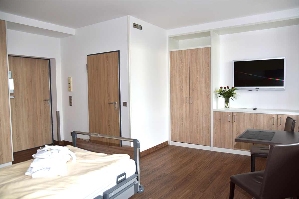Full Size of Patientenzimmer Dr Lubos Kliniken Bogenhausen Boxspring Bett Landhausstil Mit Lattenrost 120 Cm Breit Kinder 160x200 Bopita Schöne Betten Französische Bett Ausklappbares Bett