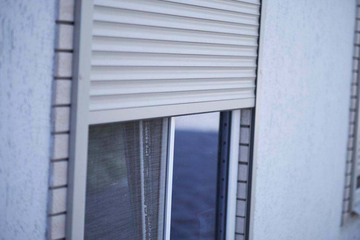 Full Size of Fenster Mit Rolladenkasten Rollladen Typen Ihren Unterschieden Aroundhome Bett Lattenrost Alu 90x200 Und Matratze Veka Küche Günstig Elektrogeräten Fenster Fenster Mit Rolladenkasten