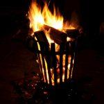 Feuerstelle Im Garten Selber Bauen Mit Sitzplatz Anlegen Feuerstellen Genehmigungspflichtig Erlaubt Loungemöbel Schlafzimmer Kommode Weiß Spielhaus Schimmel Garten Feuerstelle Im Garten