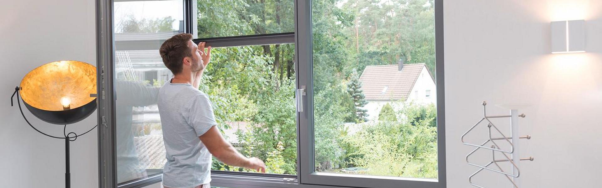 Full Size of Insektenschutzrollo Fr Fenster Lmmermann Online Konfigurator Aluminium Rollos Innen Zwangsbelüftung Nachrüsten Sichtschutzfolie Für Rc 2 Fliegengitter Velux Fenster Insektenschutzrollo Fenster