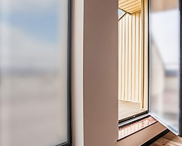 Sichtschutzfolie Für Fenster Fenster Sonnenschutz Sichtschutzfolie Tag Und Nacht Fenster Laminat Für Bad Spielgeräte Den Garten Fliesen Fürs Tauschen Dachschräge Fürstenhof Griesbach