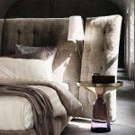 Bett Mit Hohem Kopfteil Angle Gestepptes Architonic Metall Sofa Boxen Rauch Betten 140 X 200 Minimalistisch Stauraum 160x200 Schlafzimmer überbau 140x220 Bett Bett Mit Hohem Kopfteil