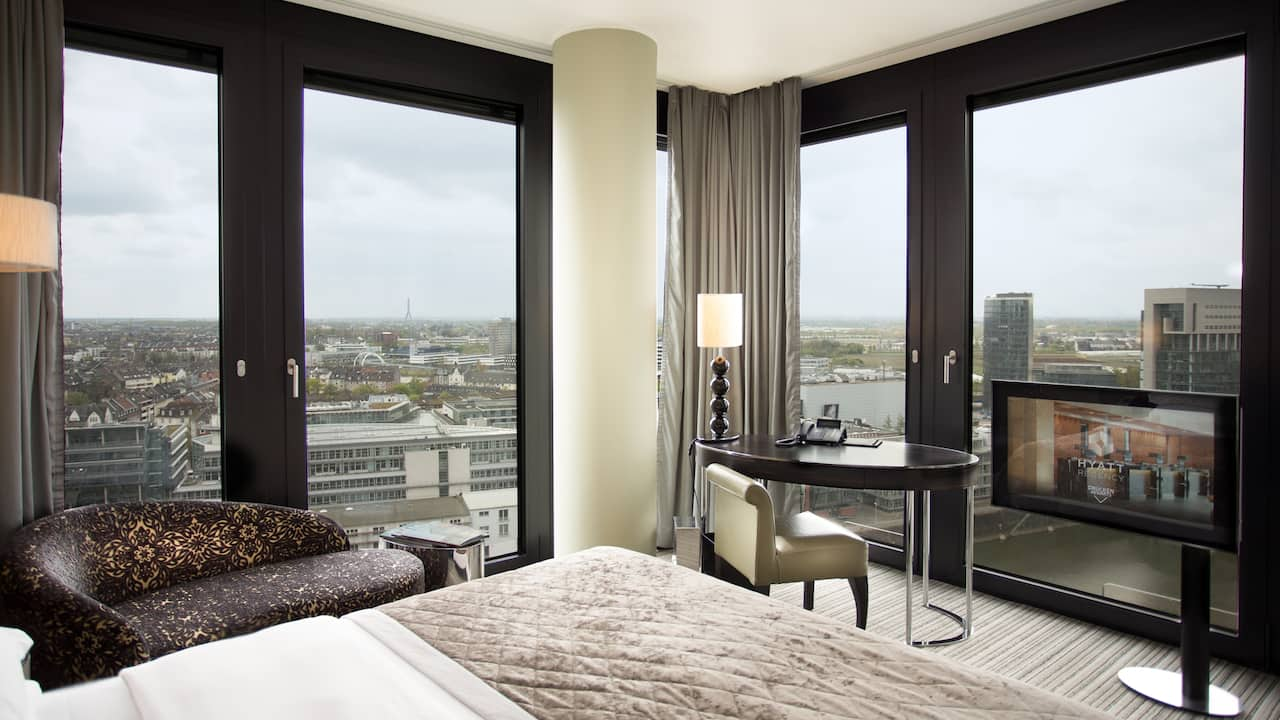 Full Size of Hotelzimmer Und Suiten Hyatt Regency Dsseldorf Weiße Betten Rauch Flexa Mannheim Team 7 Bock Boxspring Günstige 140x200 180x200 Mit Bettkasten Kaufen Bett Betten Düsseldorf