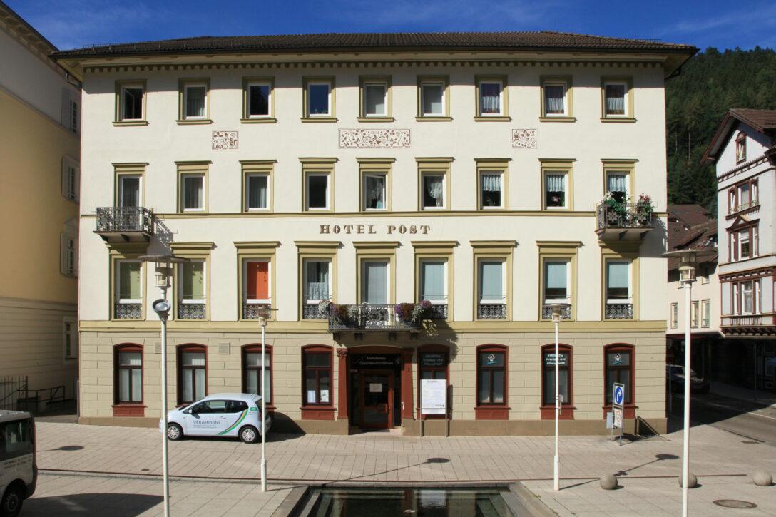 Large Size of Bad Wildbad Hotel Filebad Kurplatz 2hotel Post 01 Iesjpg Wikimedia Sobernheim Waschbecken Hotels In Dürkheim Jagdhof Füssing Bodenfliesen Waldsee Zuschuss Bad Bad Wildbad Hotel