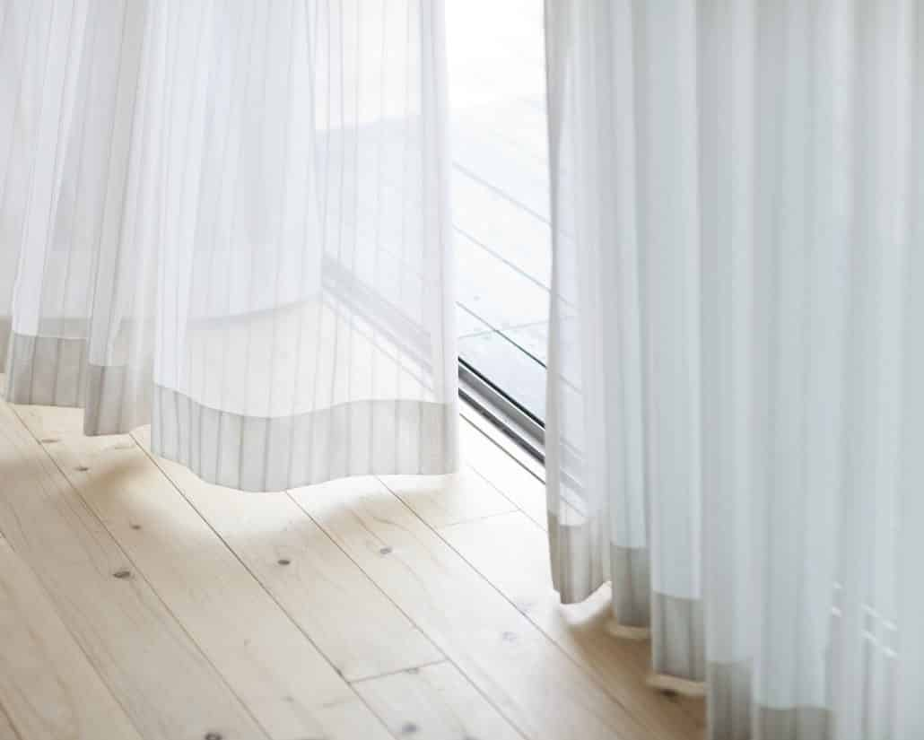 Full Size of Stores Fenster Gardinen Machen Sie Ihre Zum Absoluten Blickfang Roro Dänische Schüco Online Rollos Drutex Konfigurieren Folie Für Verdunkeln Welten Fenster Stores Fenster