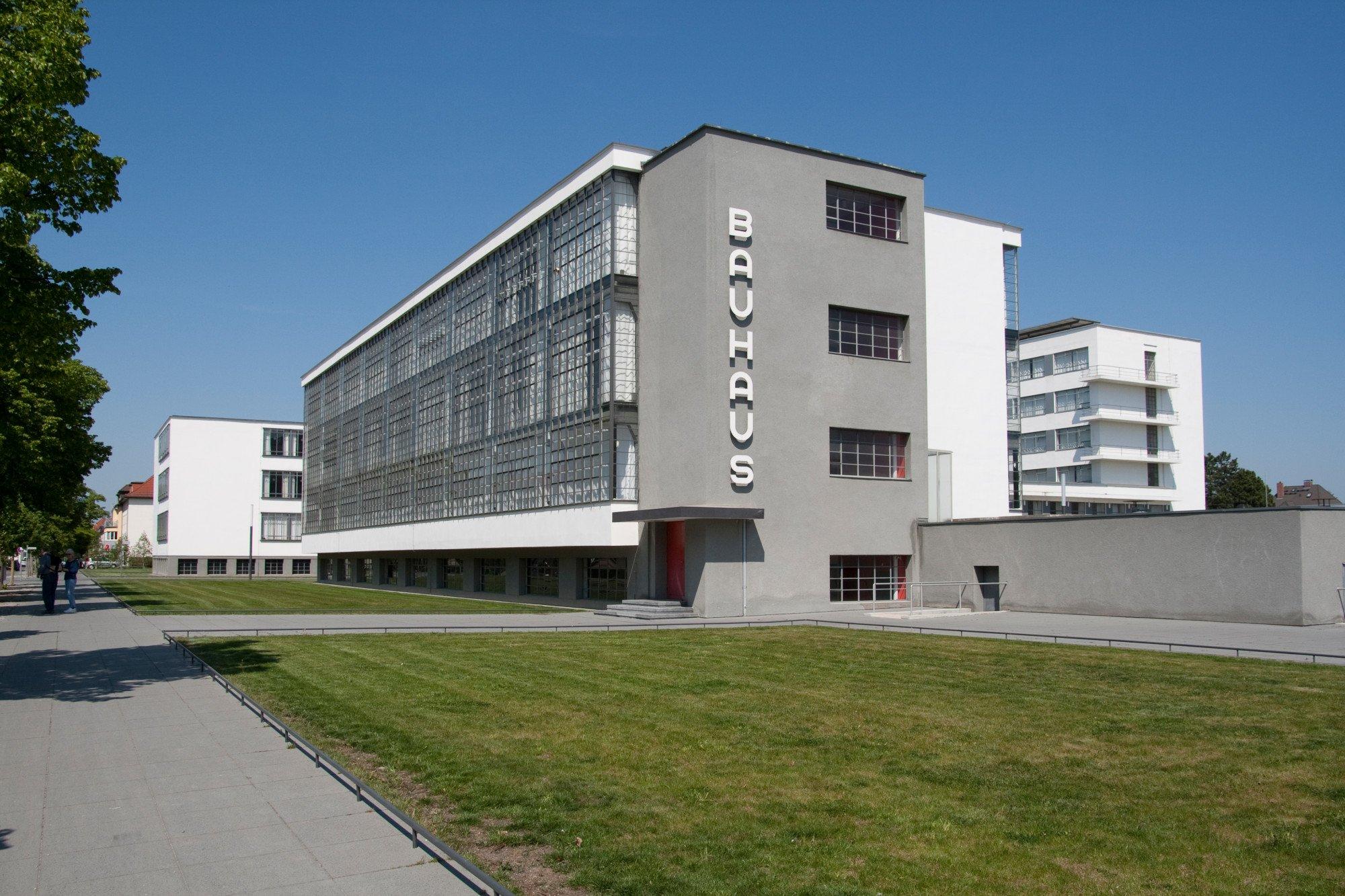 Full Size of Bauhaus Fenster Dessau Heizung Kultur Bildung Baunetz Wissen Jalousien Innen Sicherheitsbeschläge Nachrüsten Rolladen Sichern Gegen Einbruch Fenster Bauhaus Fenster