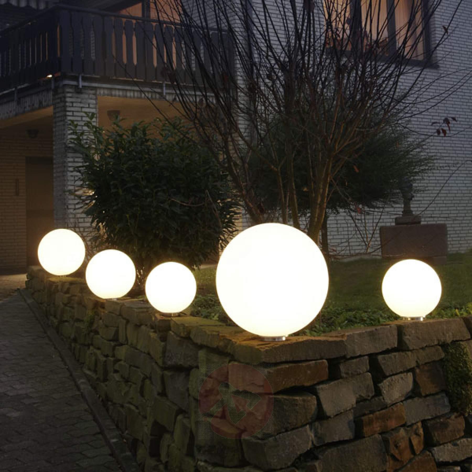 Full Size of Kugelleuchten Garten Kugellampen Amazon Obi Led Kugelleuchte Solar Test Standortfeste Snowball Wei Malu Fu Kaufen überdachung Edelstahl Brunnen Im Gaskamin Garten Kugelleuchten Garten