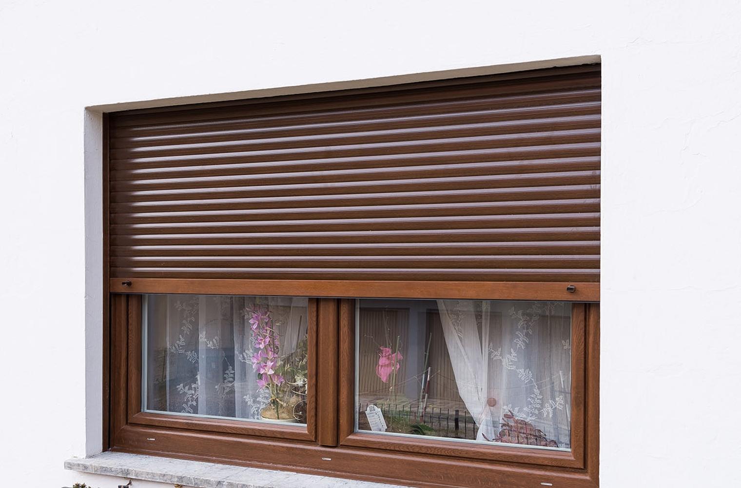Full Size of Fenster Rolladen Schüko Reinigen Folien Für Velux Preise Gebrauchte Kaufen Einbruchschutz Alu Jalousie Mit Sonnenschutz Fenster Fenster Rolladen