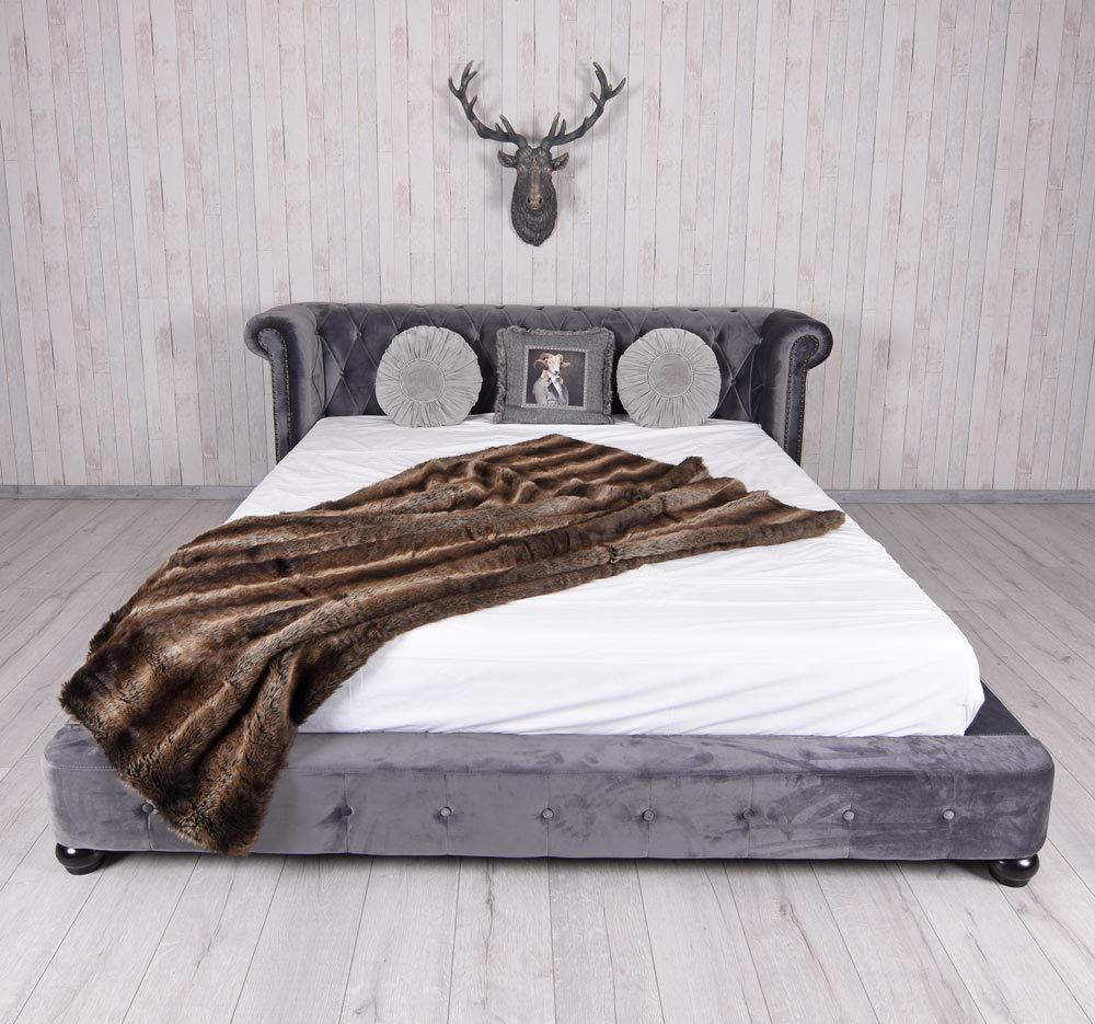 Full Size of Xxl Betten Knigliches Bett Ehebett Chesterfield Doppelbett Chateau Test Weiße Hasena Luxus Ikea 160x200 Nolte Breckle Ruf Fabrikverkauf Massiv Mit Schubladen Bett Xxl Betten