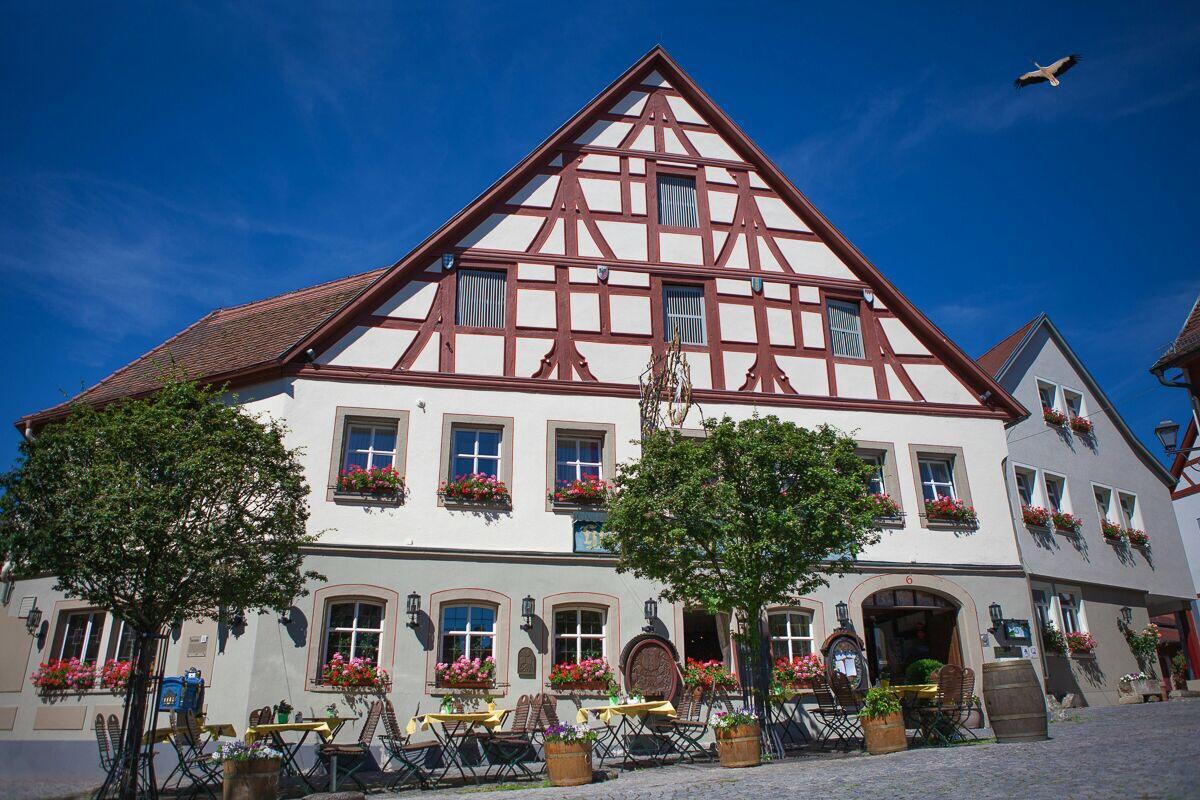 Full Size of Hotel Olympia Bad Füssing Ferienwohnung Segeberg Kaiserhof Kissingen Hotels In Neuenahr Wellnessurlaub Baden Württemberg Lampe Badezimmer Zwischenahn Bad Hotel Bad Windsheim
