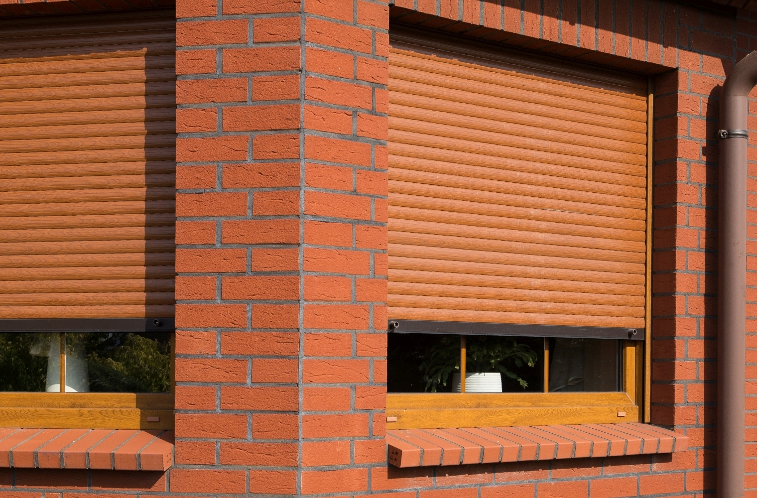 Full Size of Fenster Mit Elektrischen Rolladen Kosten Bauhaus Kaufen Einbau Preise Rolladenkasten Elektrisch Rollo Integriert Einbauen Und Dreifachverglasung Holzfenster Fenster Fenster Mit Rolladen