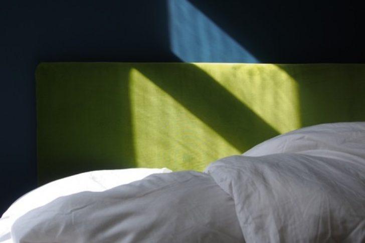 Medium Size of Diy So Basteln Sie Sich Ein Superweiches Kopfteil Frs Bett Antike Betten Kopfteile Für Wickelbrett Feng Shui Selber Bauen Weiß Mit Schubladen Poco 200x200 Bett Kopfteil Bett Selber Bauen