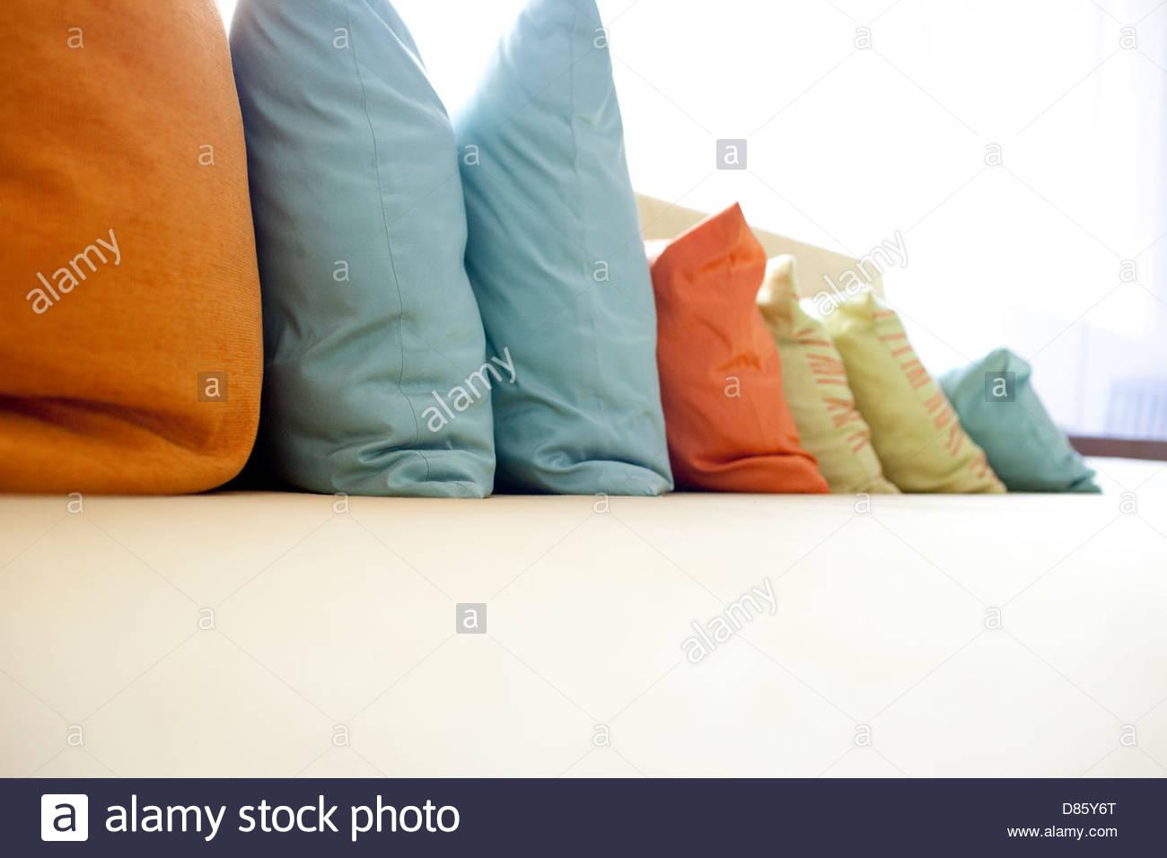 Full Size of Sofakissen Lang Lounge Sofa Lange Kussens Sofaborde Langes Leder Stockfotos Bilder Alamy 3 Teilig Xora Mit Schlaffunktion Federkern Kaufen Günstig Grau Stoff Sofa Langes Sofa