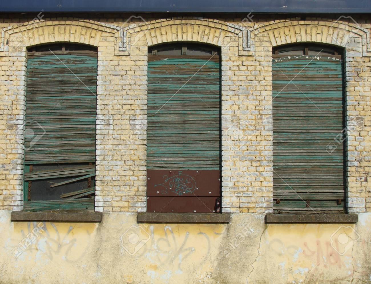 Full Size of Fenster Mit Integriert Kosten Rollo Preise Dreifachverglasung Einbauen Elektrischen Und Einbau Bauhaus Preis Rc3 Aluminium Jalousie Trocal Schlafzimmer Set Fenster Fenster Mit Rolladen