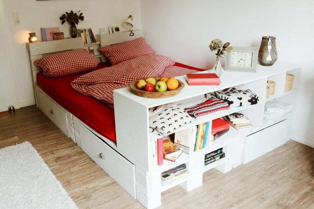 Large Size of Bett Palettenbett Selber Bauen Kaufen Europaletten Betten Bettkasten Aus Paletten Massiv Französische Hohes Holz Cars Großes 90x200 Mit Lattenrost Und Bett 1.40 Bett