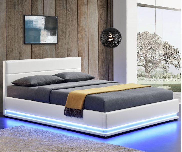 Medium Size of Bett Mit Beleuchtung Polsterbett Toulouse Krankenhaus Stapelbar 180x220 Schlafzimmer Set Matratze Und Lattenrost Komforthöhe Sofa Holzfüßen Amerikanisches Bett Bett Mit Beleuchtung