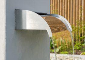 Wasserbrunnen Garten