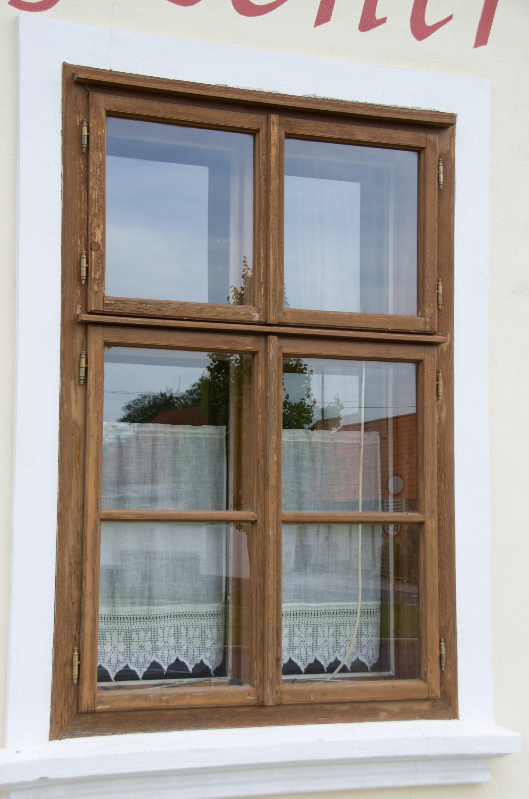 Full Size of Lohnt Es Sich Standardmaße Fenster Mit Integriertem Rollladen Alte Kaufen Bett Günstig Einbruchsicherung Eingebauten Rolladen Einbruchschutz Einbruchsichere Fenster Fenster Günstig Kaufen