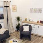 Graues Sofa Wohnzimmer Welche Wandfarbe Kissen Kleines Ikea Beiger Teppich Farbe Gelber Passende Graue Couch Kombinieren Gelbe Welcher Dekorieren Mit Weisser Sofa Graues Sofa