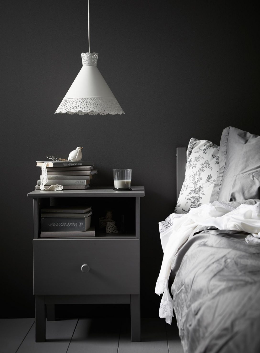 Large Size of Graues Bett Dunkel Samtsofa Ikea Kombinieren 140x200 Bettlaken 160x200 Waschen Passende Wandfarbe 120x200 Einfaches 140 Tojo V Außergewöhnliche Betten Weiß Bett Graues Bett