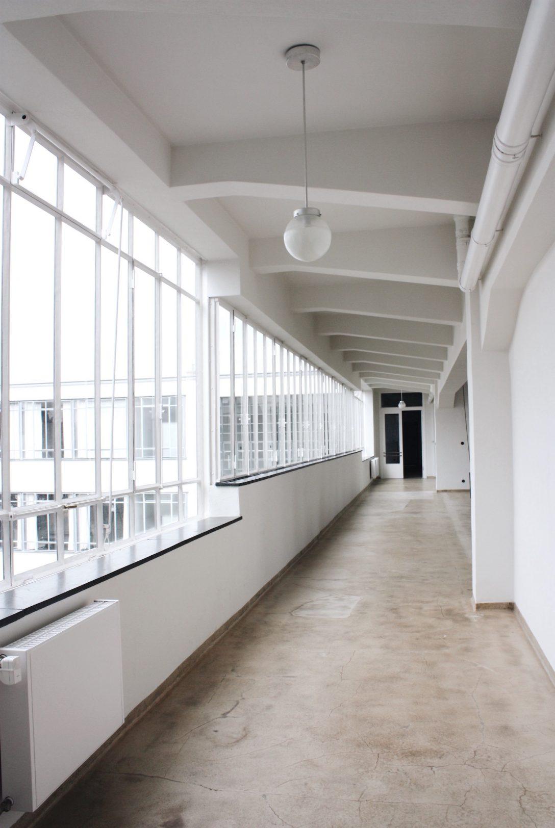 Large Size of Bauhaus Fensterfolie Schwarz Fensterdichtungen Badezimmer Fensterdichtungsband Das In Dessau Acanthus Fenster Abdichten Rostock Rollos Ohne Bohren Fenster Bauhaus Fenster