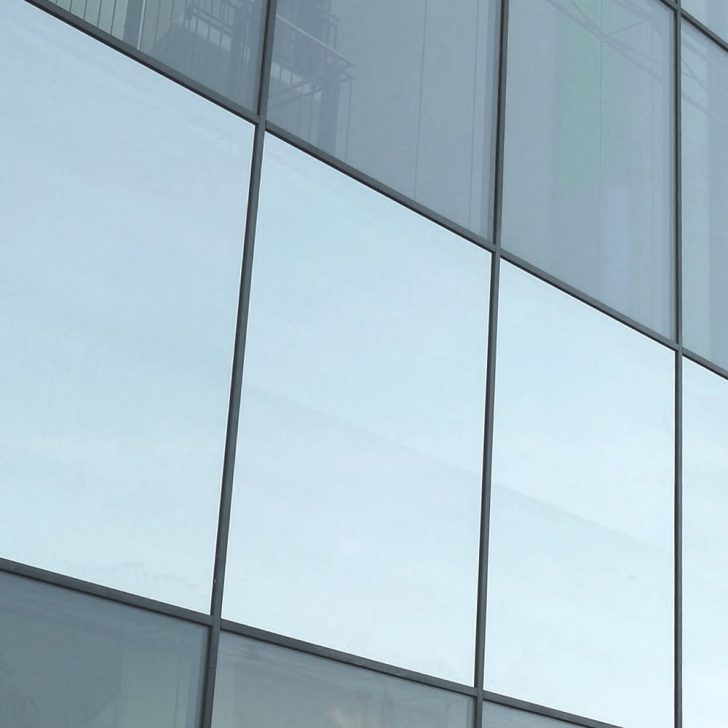 Medium Size of Sonnenschutzfolien Als Hitzeschutz Und Mit Montage Einbruchschutz Fenster Rolladen Nachträglich Einbauen Marken Schüco Kaufen Standardmaße Preise Fenster Sonnenschutzfolie Fenster