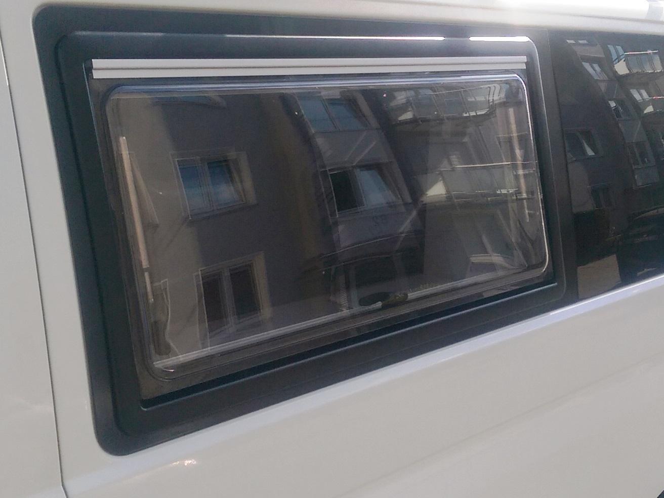 Full Size of Verdunkelung Discarvery Vw T6 Camper Fenster Sichern Gegen Einbruch Klebefolie Rolladen Gardinen Plissee Schallschutz Veka Rc3 Insektenschutz Einbauen Neue Fenster Fenster Verdunkelung